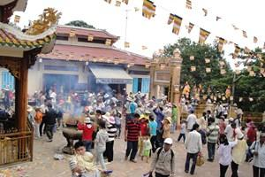 Núi Bà Đen, tòa thánh Tây Ninh đắt khách dịp Tết