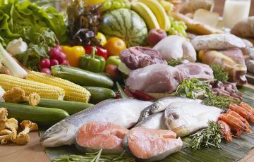Cận Tết, thực phẩm bắt đầu tăng giá
